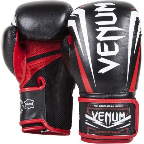 Боксерские перчатки Venum Sharp
